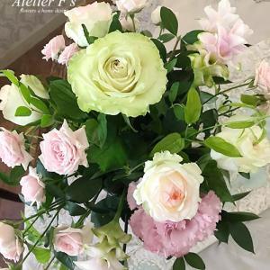 フラワーアレンジメントを新鮮で上質な花でレッスンできるなんて幸せです♪【アトリエフィーズ西宮市】