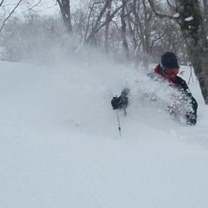 深雪は後傾で滑るの?