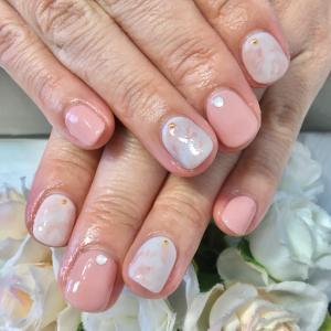 定額デザインより 桜色のマーブルネイル