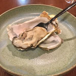 やっぱり美味しいよね、生牡蠣 。ロステリア