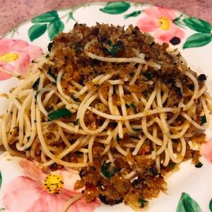 アンチョビとパン粉のスパゲッティ