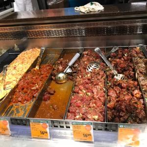 ★ハワイのスーパーで引き寄せられるポキコーナー