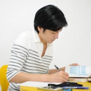 【TOEIC他】就職活動(就活)で履歴書に書ける有利な資格とは?
