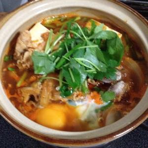男子ご飯のチゲ鍋作りました!結構な辛さで、フーフー(゚o゚;;しながら食べました。汗だくです(…