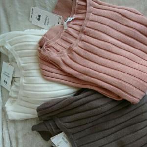 UNIQLOユニクロのコットンカシミヤワイドリブセーターを買いました。