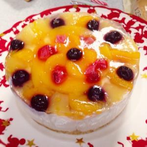 ヨーグルトムースとフルーツゼリーのケーキ