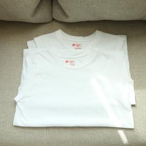 着ぶくれしない、動きやすいのに暖かい「ヘインズ」のスリーブレスTシャツ