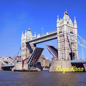 タワーブリッジは、なぜ開くのか----ロンドン
