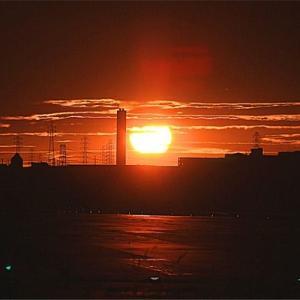 八尾空港ランウエー27エンター夕刻のフォト散歩 夕陽小焼け