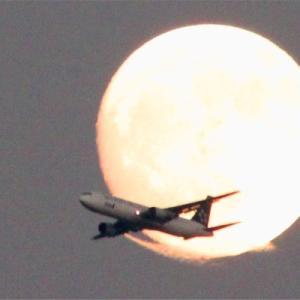八尾空港ランウエー27エンター月面通過の当たり日