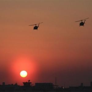 八尾空港管制塔に落陽するウイーク