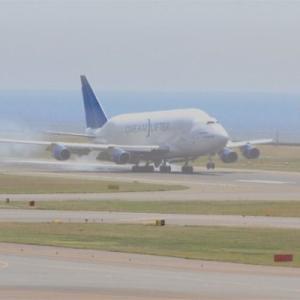 セントレア空港 ボーイング747LCF