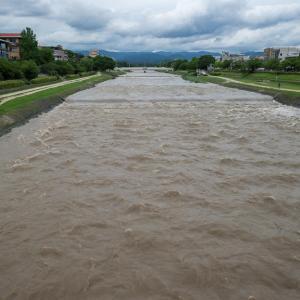 7月8日の大雨で鴨川が増水