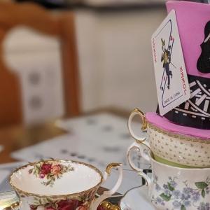 ハイティーで可愛い不思議の国のアリスを体験!Neverland tea salon バンクーバーのアフタヌーンティー