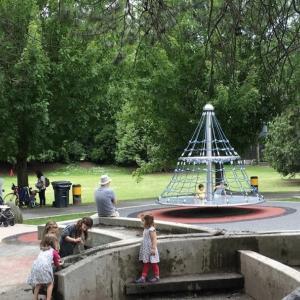 スマホのアレを使って高確率で2歳児 子供を公園からスムーズに帰らす方法 遊びの切り上げ方