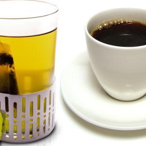 コーヒーやお茶は身体の水分を奪う