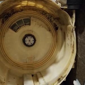 愛知県長久手市 東芝製ドラム式洗濯機分解内部クリーニング