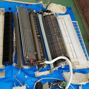 名古屋市中村区日比津 ナショナル製 自動フィルター掃除機能付きエアコン分解洗浄