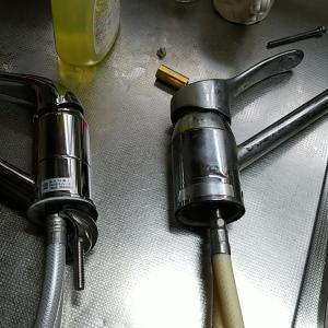 愛知県あま市 キッチン用シングルハンドル水栓取替作業をUPしました。