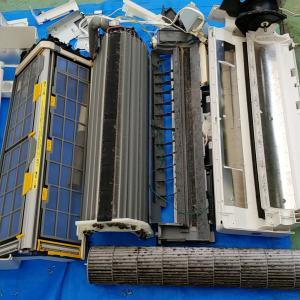 三重県桑名市 日立製自動フィルター清掃付きエアコン分解クリーニング作業