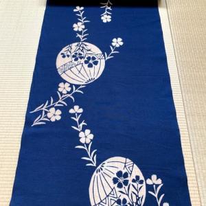 紺地・綿紬・本染 落ち着いた雰囲気のある浴衣地