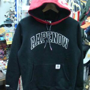 AAPE BY A BATHING APE プルオーバー フードパーカー 黒×赤 (M)