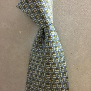 イタリア製 FERRAGAMO フェラガモ ネクタイ シルク100 総柄 水色 幾何学模様