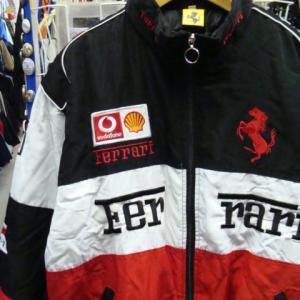 【未使用品・やや難あり】 フェラーリ 中綿ジャケット 黒×白×赤 (L)