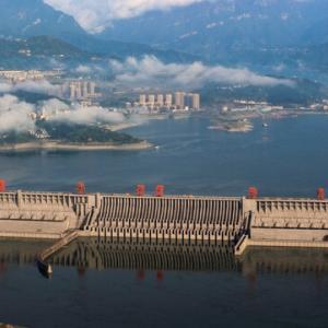 「三峡ダムは原爆が命中しても壊れない」と中国専門家 仏メディアが伝える