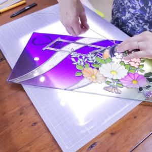 グラスアート教室の制作風景