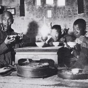 都馬バイカル著「スウェーデン宣教師が写した失われたモンゴル」を読む(仙台市・森修)