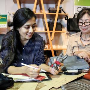 東京でバッグの新商品を企画デザインするモンゴル人(仙台市・森修)