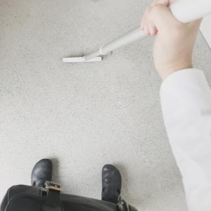 靴の汚れが目立つ家。玄関と靴は持ちつ持たれつ。