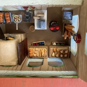 「ドールハウスとゆるキャラ組木展」始まりました!