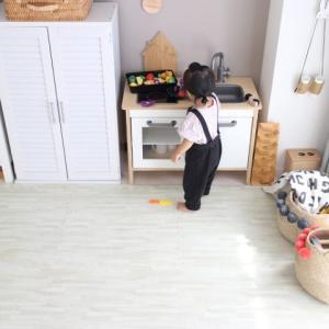 くま吉、おもちゃ棚を半壊。