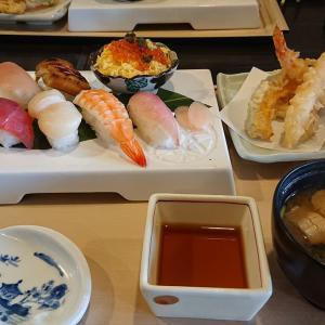 かごの屋 三鷹野崎店「にぎり寿司と海老天ぷら定食」