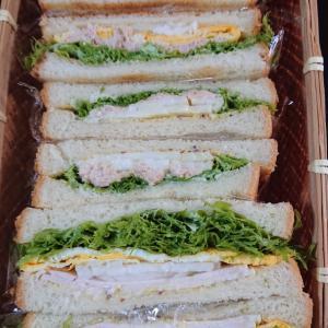 サンドイッチとマスク