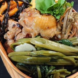 鶏手羽元煮焼き弁当