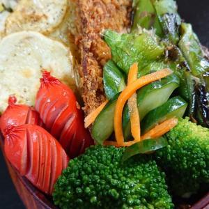 炒飯とフライの弁当