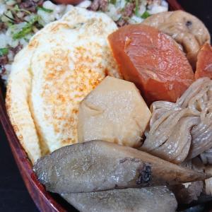 焼肉飯と煮物弁当