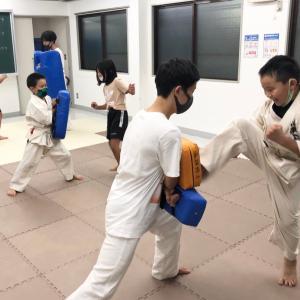 新石切駅前空手教室 無料体験実施中 (^。^)