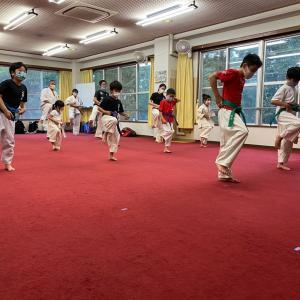 晴明丘会館空手教室 幼稚園から一般部まで稽古可能です