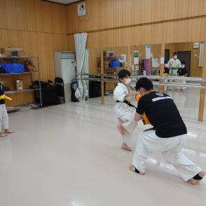 アップルアカデミー空手教室 少年部&親子カラテ