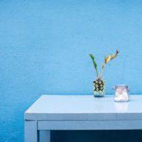 シャビーブルーのシックなインテリア家具