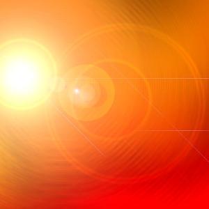 オレンジ色の光の中で