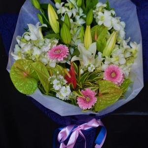 季節の花お任せ花束・開店祝い・沖縄の花屋