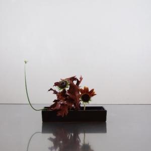 加工品の葉と合わすように、ヒマワリも加工