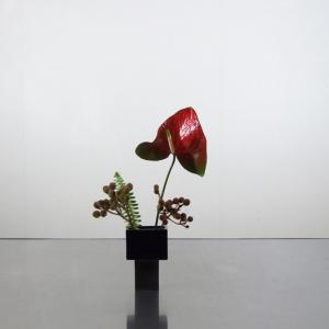 極小花器シリーズ‐5 剽軽(ひょうきん)な花たち