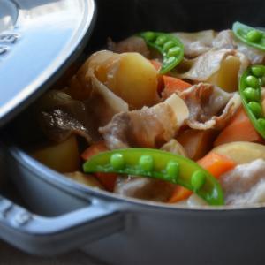 ストウブブレイザーで「無水肉じゃが」と焼き魚の晩ごはん。