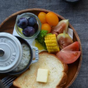 ストウブで「ワンプレート朝ごはん」泉北堂の食パン